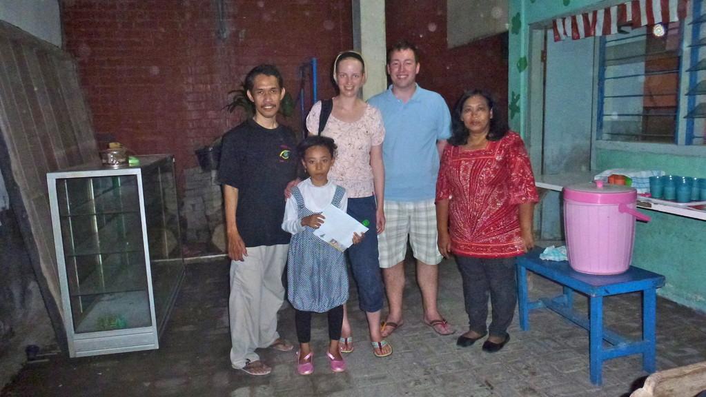 Ein Abschlussbild mit den beiden Projektkoordinatoren. An diesem Tag kam auch gerade ein Brief von uns an.