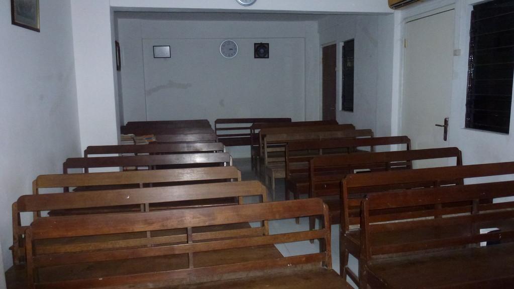 Der Gottesdienstraum. Sonntags werden drei Gottesdienste gehalten. 7 Uhr, 9 Uhr (für die Jugendlichen), 17 Uhr.