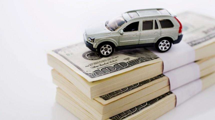¿Cuántos gastos invertimos los españoles en el coche?