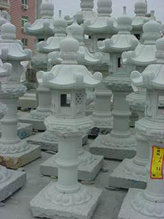 石灯籠(大)(13万円相当)
