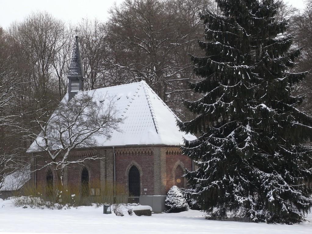 Gezelin-Kapelle mit trinkbarem Quellwasser in Leverkusen-Alkenrath