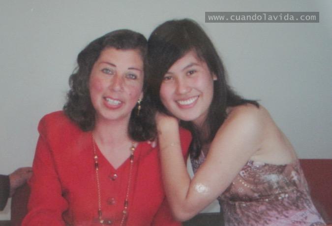 Alba Lucía Dulce. Gracias por compartir como amiga. 2007