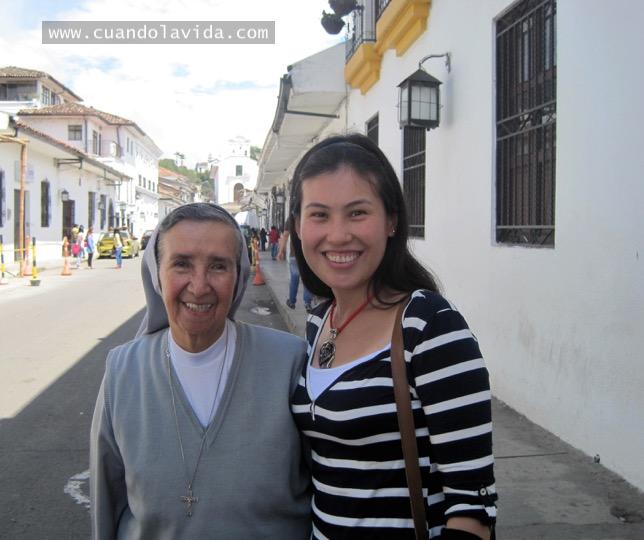 Sor Irene Rojas. Gracias por enseñarme a volar y a descubrir el amor por la filosofía. 2016