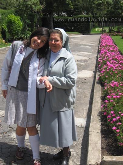 Sor Matilde. Gracias por enseñarme el amor a la Virgen Auxiliadora y a caminar recta. 2007