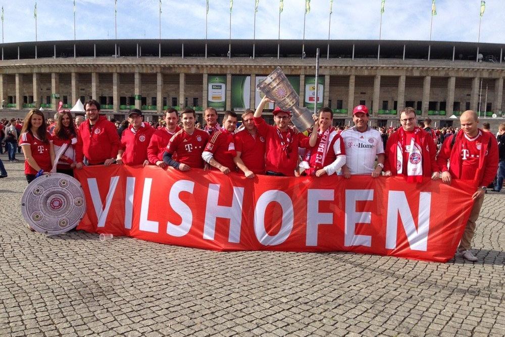 Wir im DFB Pokalfinale im Olympiastadion in Berlin 2014 gegen den BVB