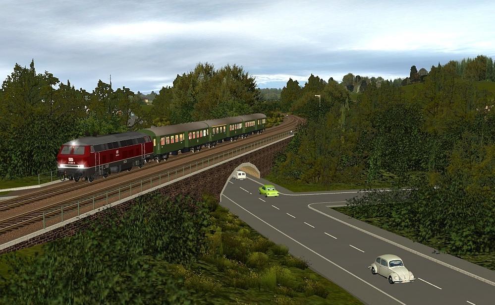 Zug Vorbeifahrt Haltestelle Martinswerk