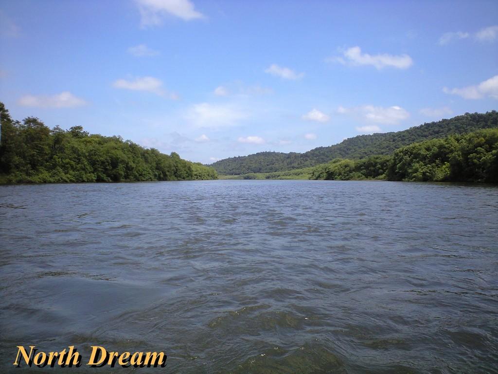 天塩川の重い流れ