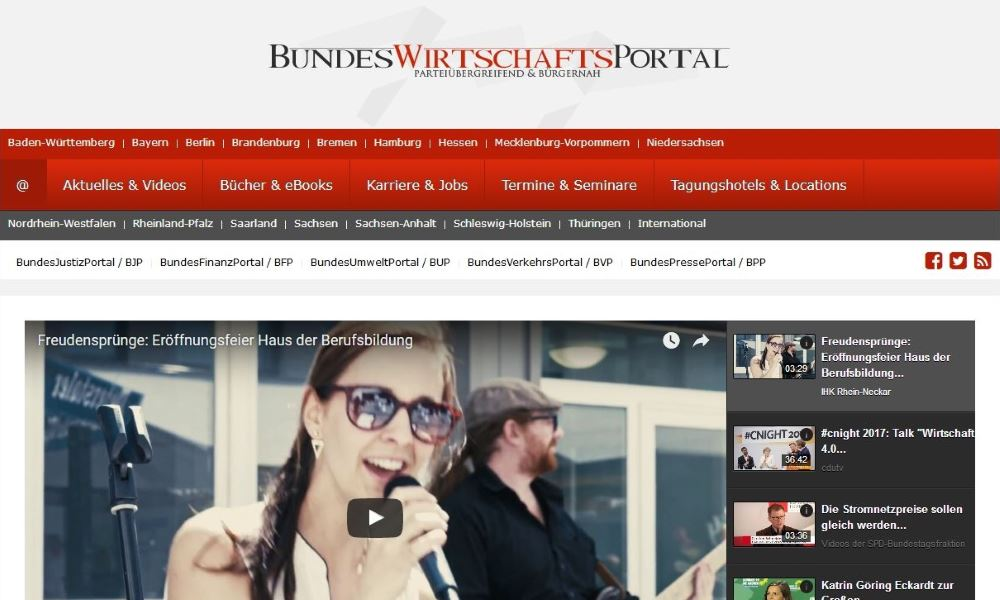 Social-Media-Mix: Facebook Content, Twitter Posting und YouTube Pflege