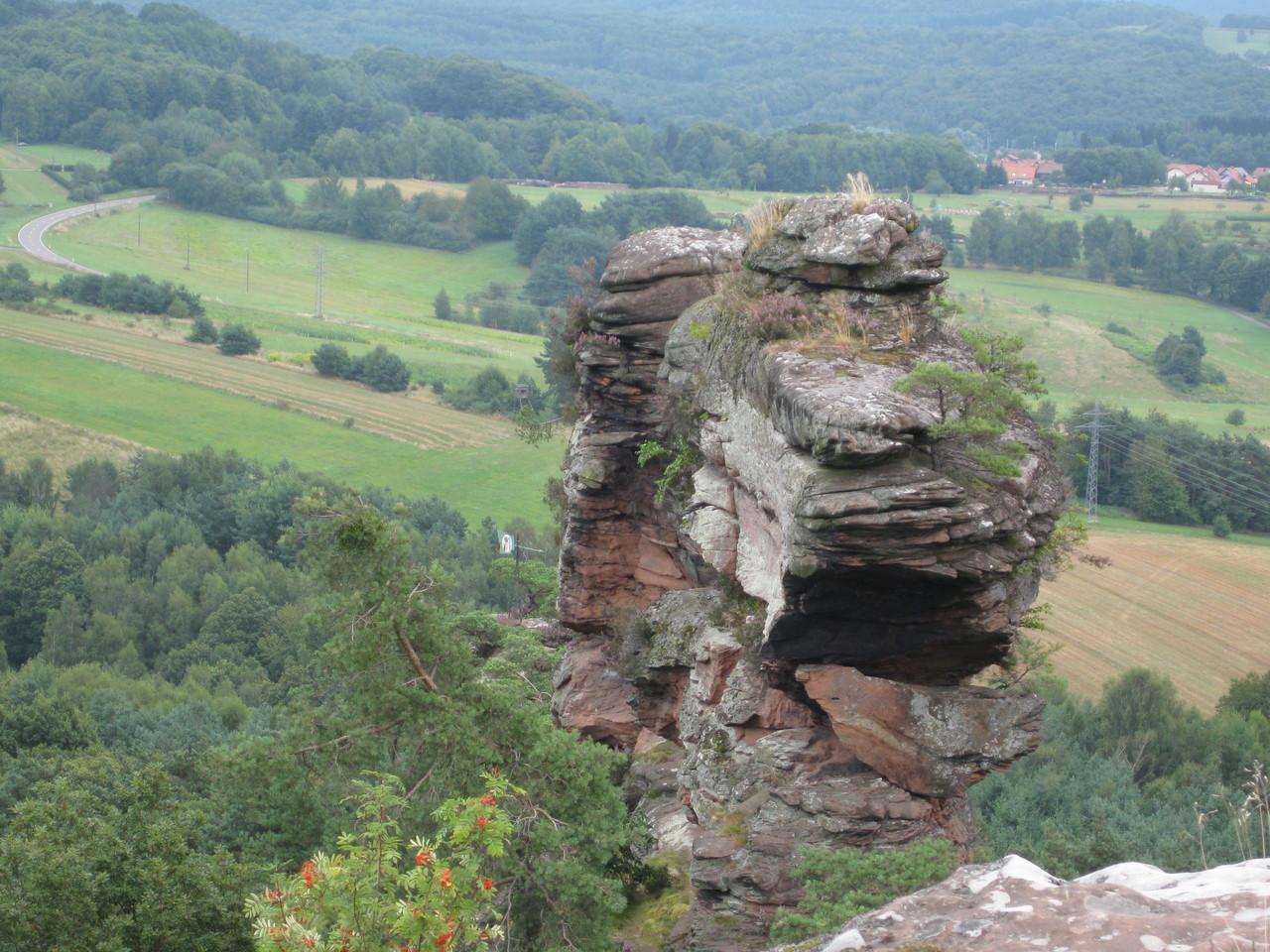 "Ausblick von der Felsspitze zum ""Kopf"" des Felsens"