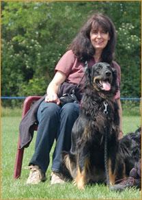 Züchterin Anke Heinze mit ihrer Ayla vom Weg der Sinne