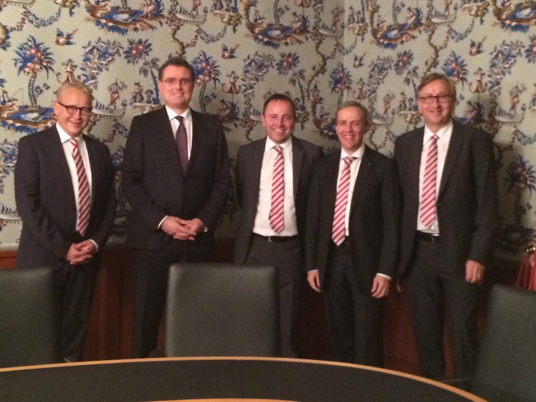 Stadtrat Uster am 30. Okt. 2015 zu Besuch beim Direktorium der SNB im Schloss Gerzensee