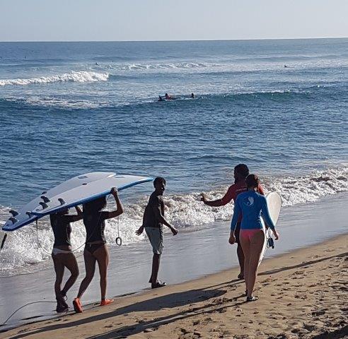 Surfbretter mit Finnen, Encuentro, Dominikanische Republik