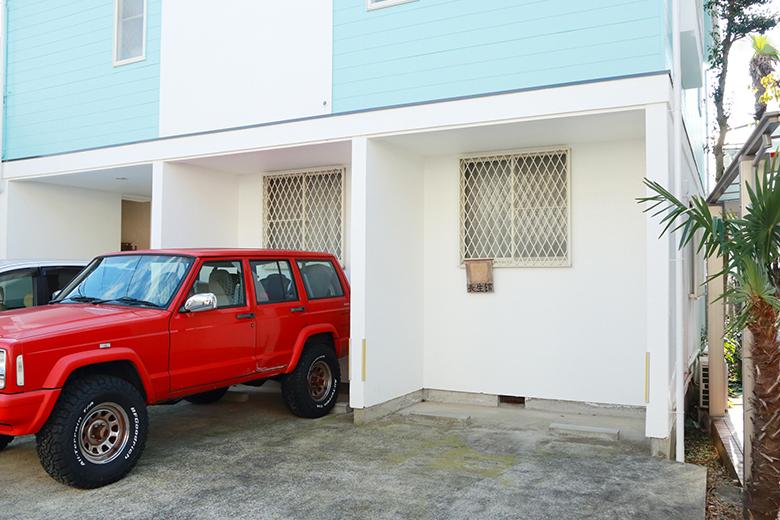 車でお越しの方は、駐車場も完備しております
