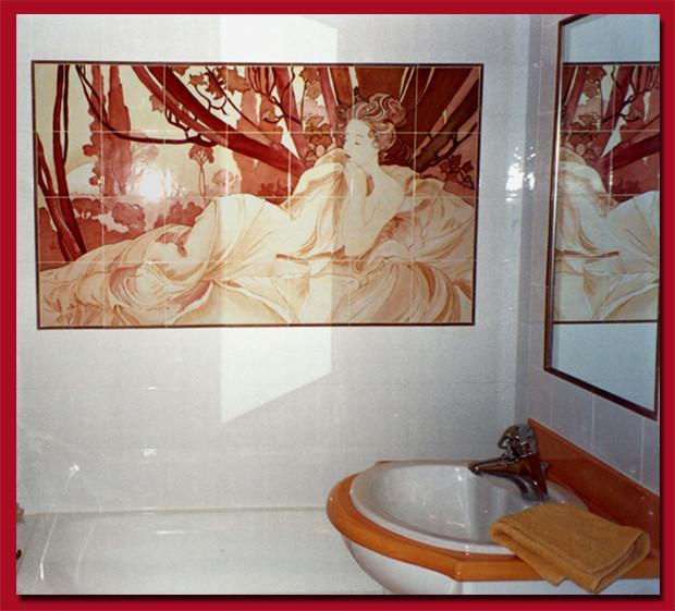"""Salle de bain. """"Tableau d'après Mucha"""""""