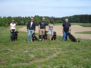 Gruppenbild: Maxima mit ihren Wurfsgeschwistern von Links Maxi, Märgen, Moritz, Momo und Motte