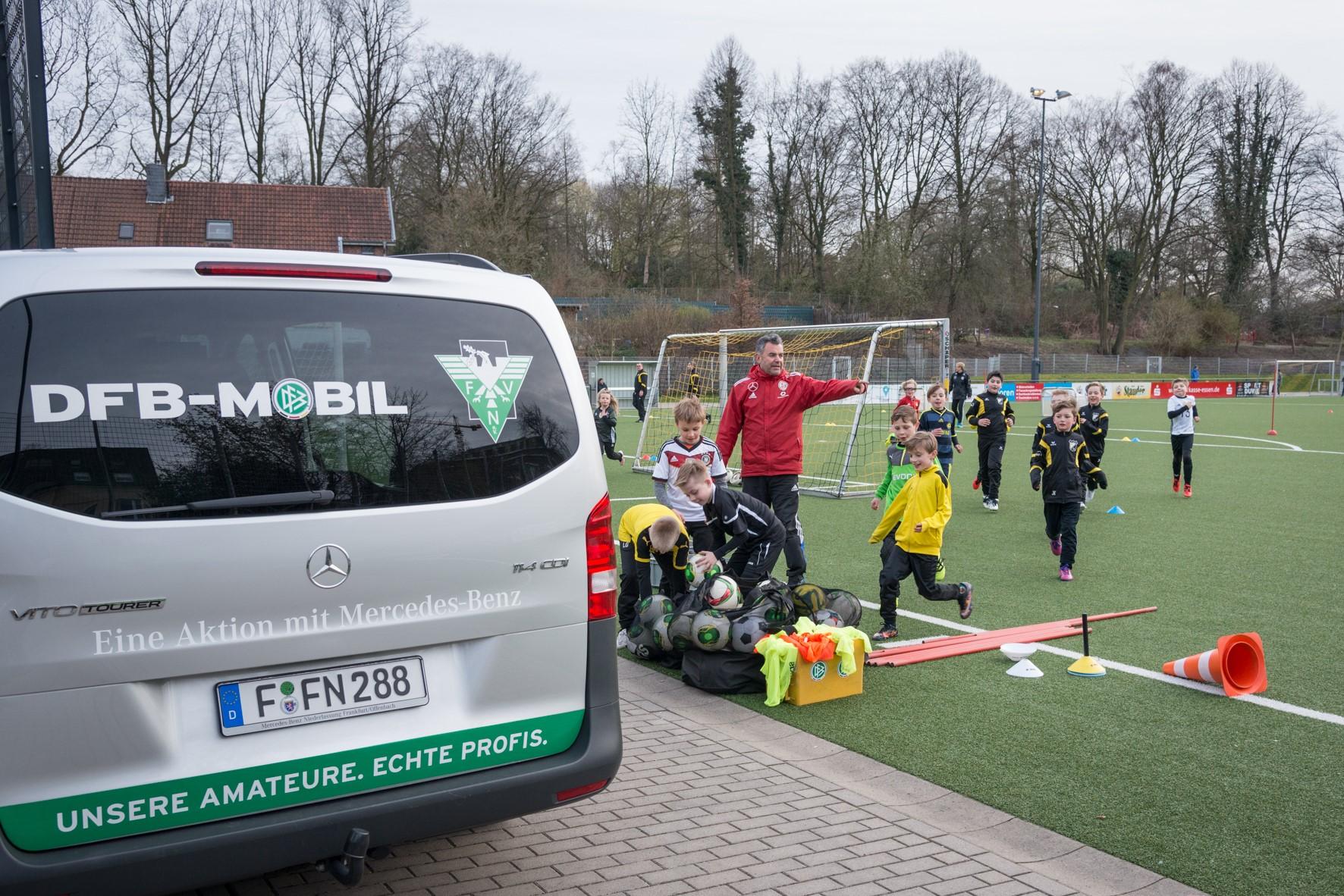 Das DFB-Mobil beim TuS - Bilder aus 2017 von Ralf Fröhlich