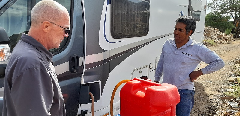 Eduardo verkauft uns Diesel