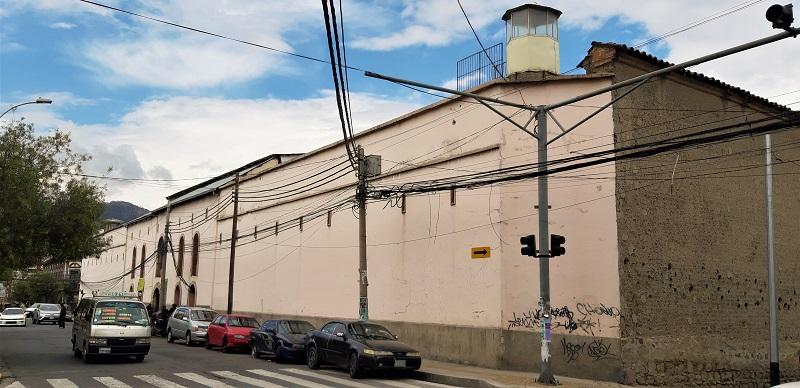 Das Stadtgefängnis San Pedro - in sich ein kleines funktionierendes Dorf mit ca. 2000 - 3000 'Einwohnern'
