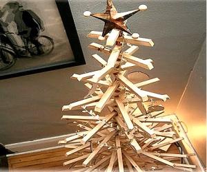árbol de navidad de madera invertirenfamilia.com
