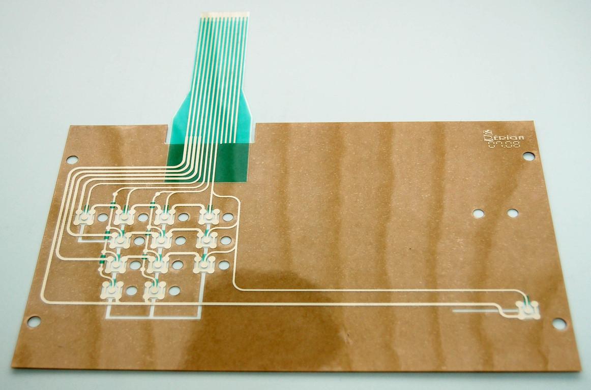 Circuit touches avec épargnes  leds