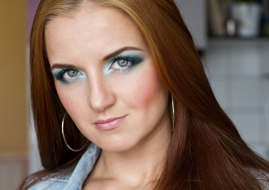 beauty blogger, blau makeup, mac clarity, blue eyes, make up artist visagist Köln