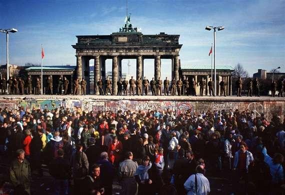 La caída del muro de Berlín (1989)