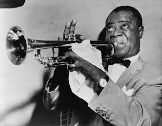 Louis Amstrong, gran trompetista y músico de jazz.