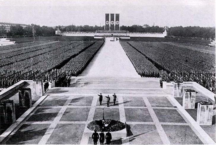 Las masas del Nazismo en Nuremberg (1934)