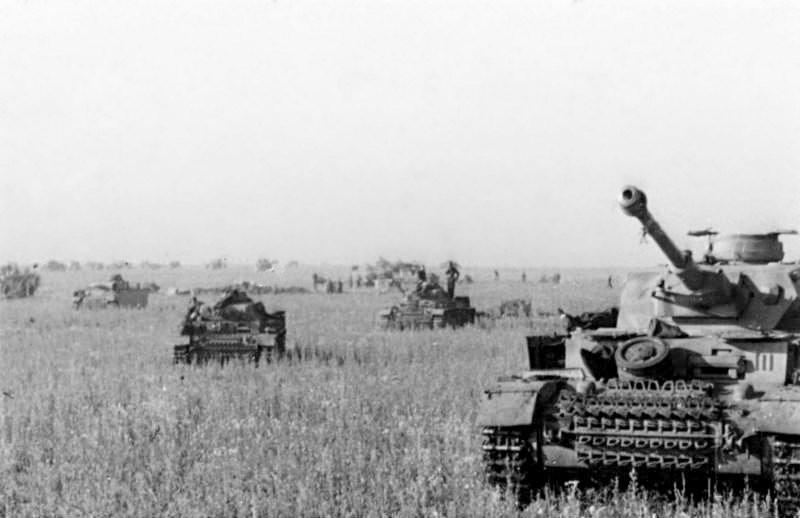 Panzer alemanes en las estepas rusas. (Blitzkrieg)