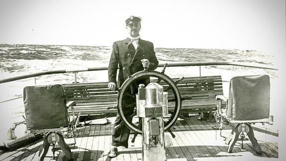 """Franco capitán de barco """"varado en tierra..."""""""