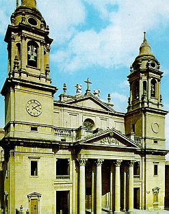 Catedral de Pamplona de Ventura Rodríguez.