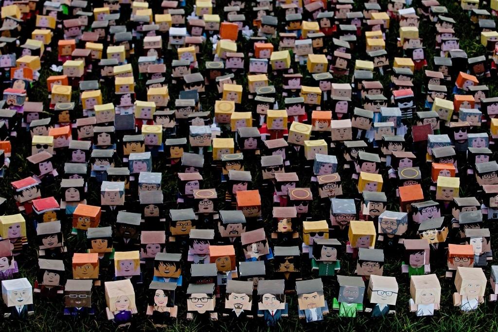 LA POBLACIÓN MUNDIAL. Más de 7.2408.000.000. millones de personas en 2014.