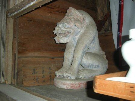 由来八幡宮の狛犬