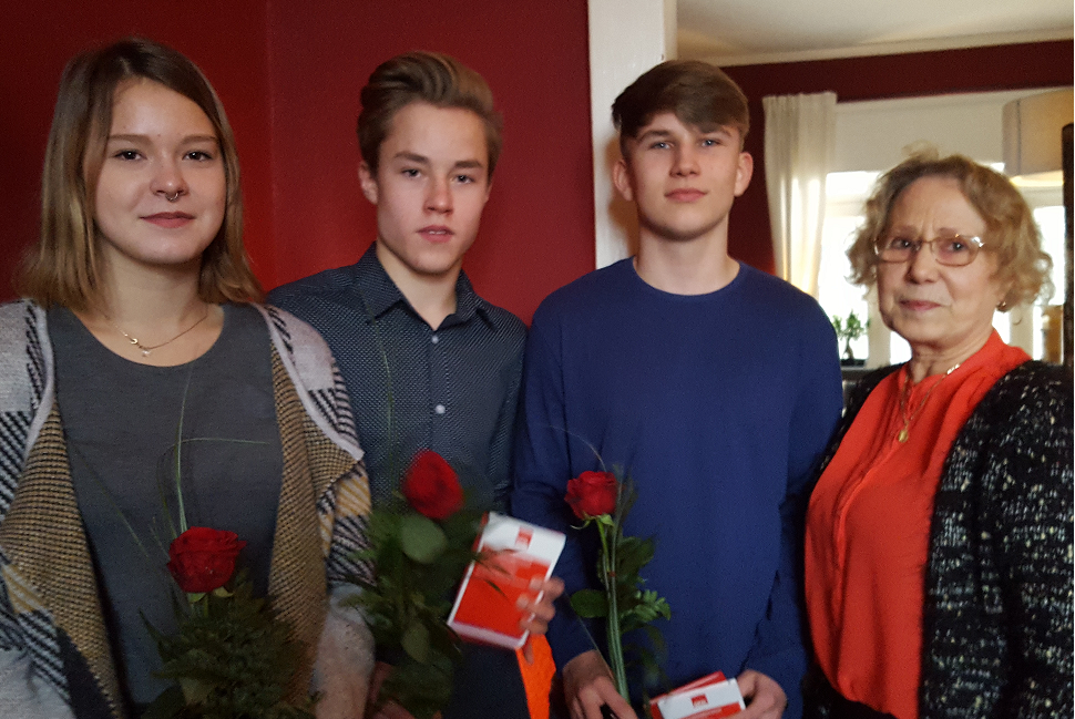 Die neuen Sozialdemokraten: (v.l.) Elise Derdak, Hannes Thiel und Max Madaus zusammen mit Hannelore Basedow.