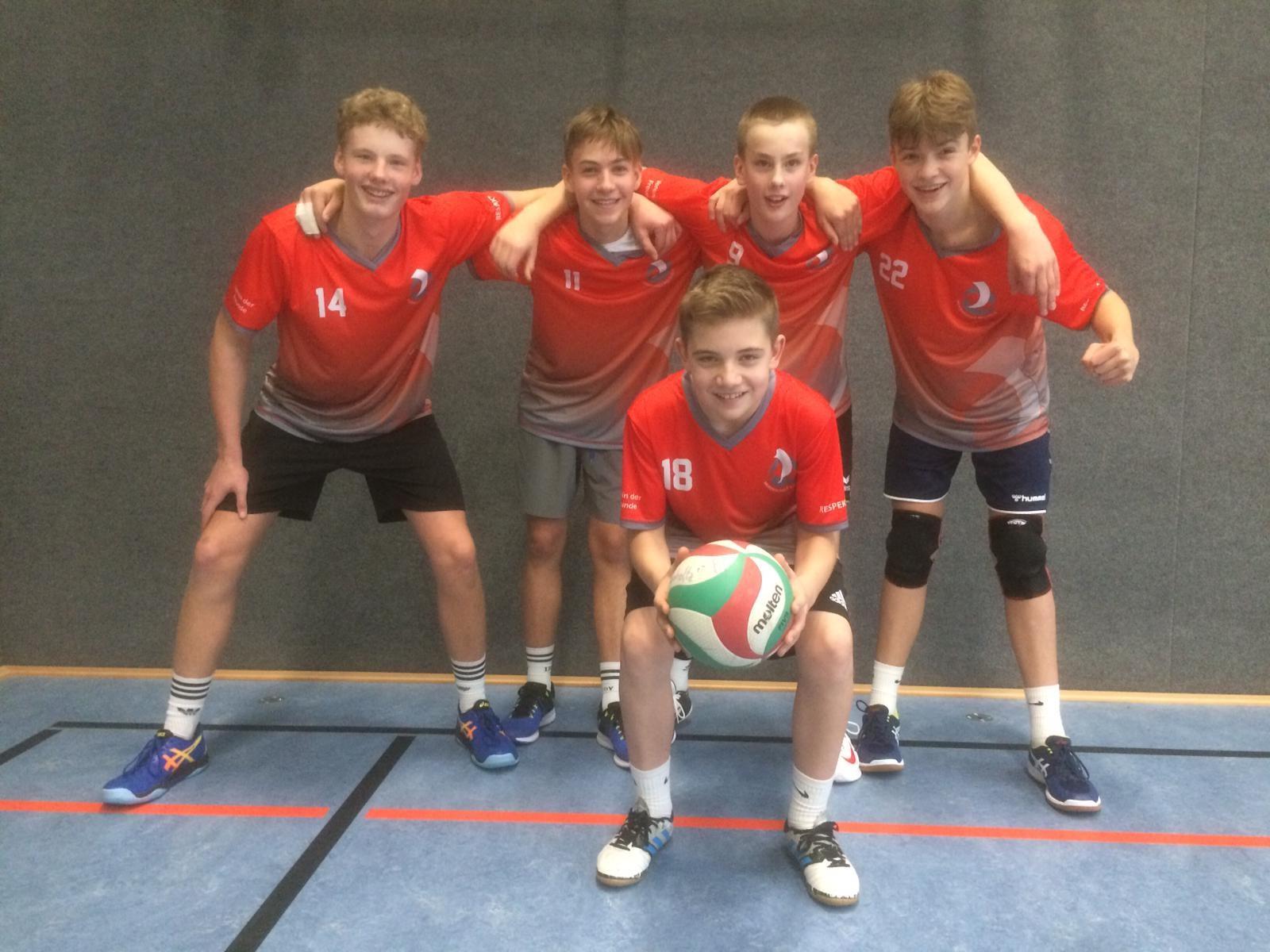 Das Volleyballteam WK III wird prompt Stadtmeister in den neuen Shirts!