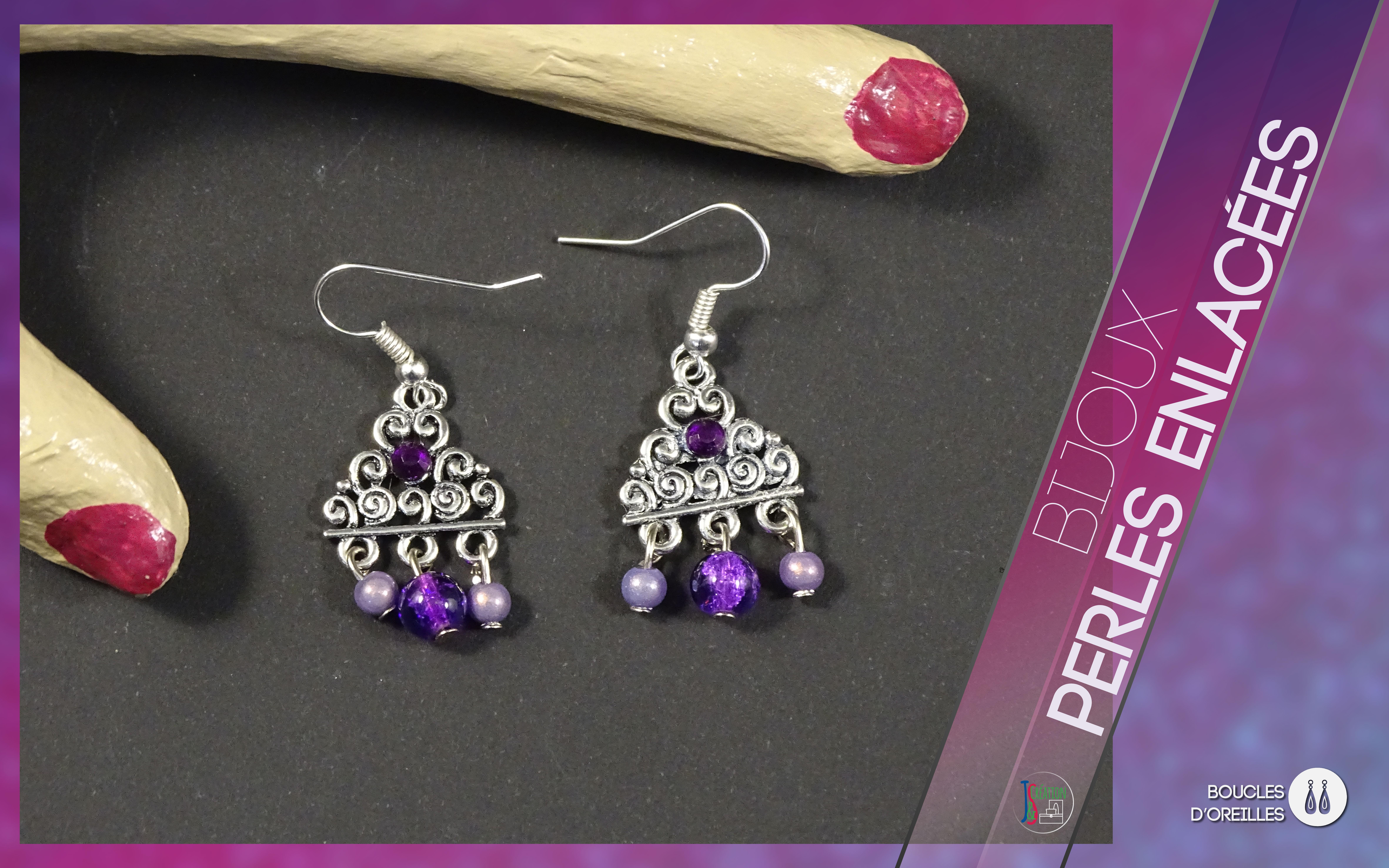 Perles enlacées Boucles d'oreilles Boucles d'oreilles métalliques décorés de nombreuses perles et breloques de toutes les couleurs. A personnaliser selon vos goûts. Bijoux vendu à l'unité : 3,50€