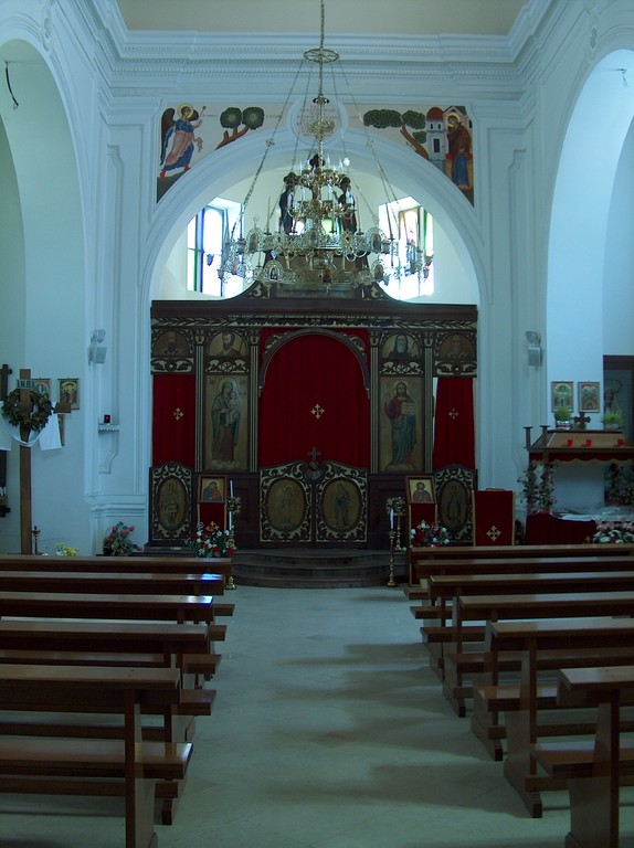 Interno chiesa uniata Madre-di-Dio di Kostantinopoli - da sud verso nord - 5 Maj 2009