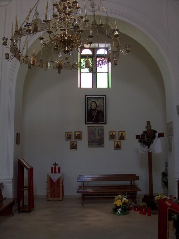 Interno chiesa uniata Madre-di-Dio di Kostantinopoli - da ovest verso est - 5 Maj 2009