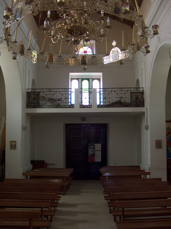Interno chiesa uniata Madre-di-Dio di Kostantinopoli - da nord verso sud - 5 Maj 2009