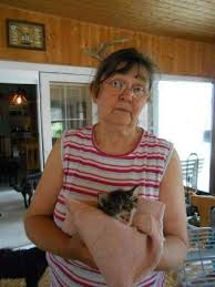 Es gibt hier nur eine Person, die sich seit 15 Jahren aufopferungsvoll um die armen Tiere kümmert