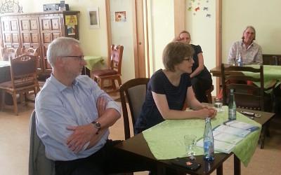 Geschäftsführer Thomas Schell und Frau Dr. Kriegeskotten-Thiede vom Palliativnetz Travebogen