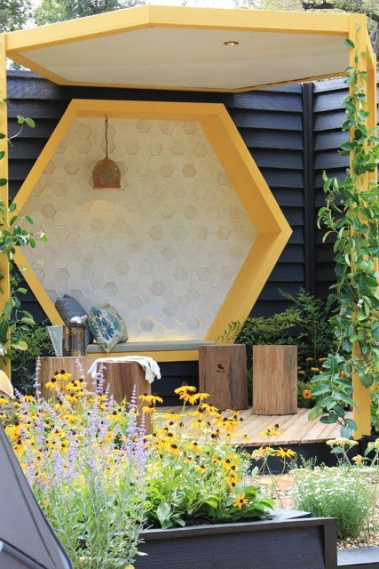 """""""The Bee Keepers Garden"""" by Jenny Smith Gardens MIFGS 2015"""