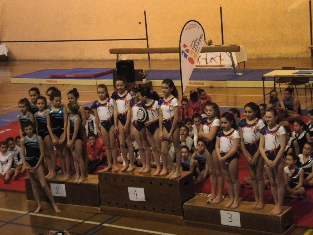 Podium du 2ème Tour Départemental équipe Jeunesses catégorie Promotion: 1er Violette Aturine 2, 2ème Envolée de dax 2, 3ème Violette Aturine 3