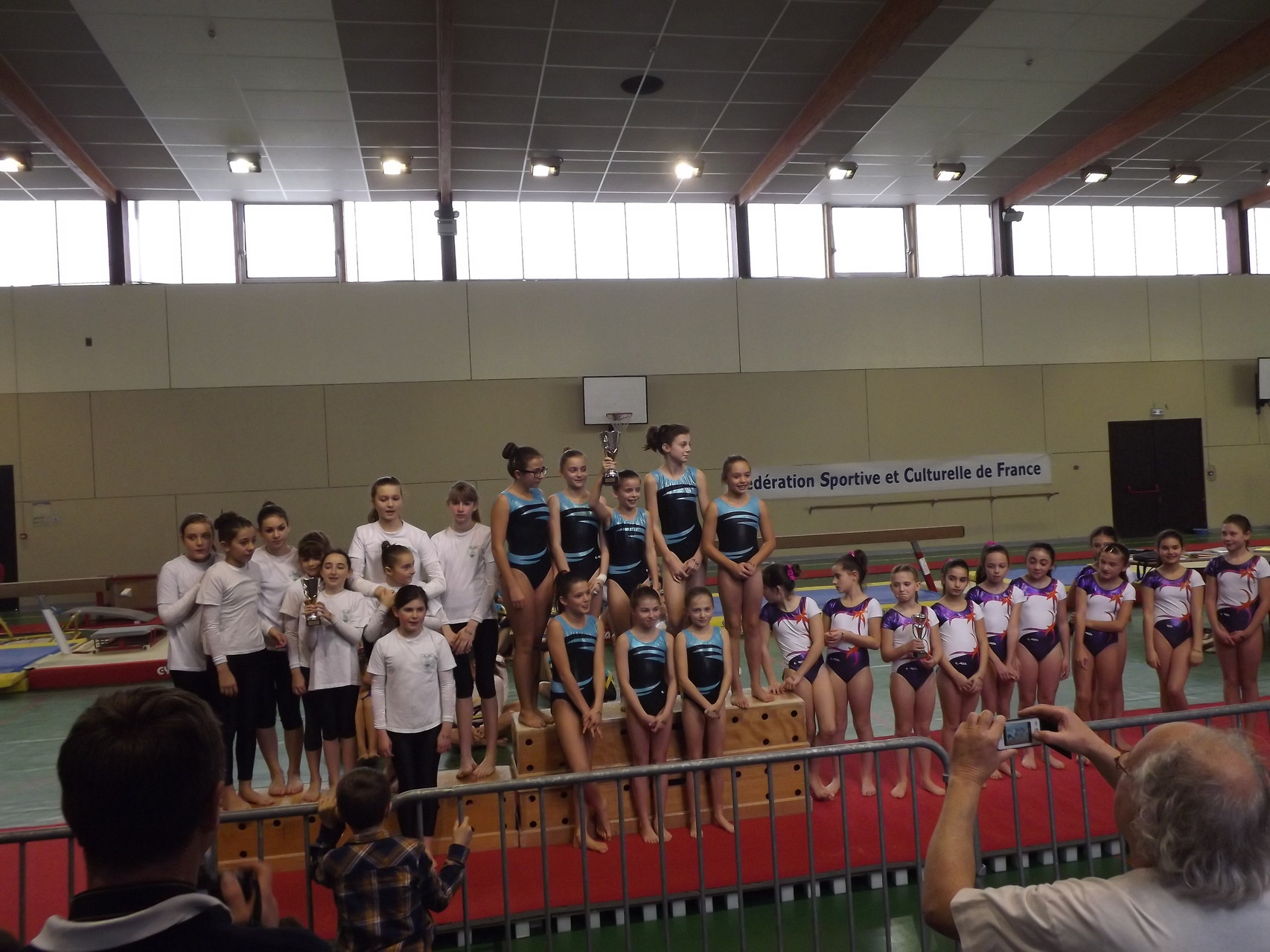Podium equipe Jeunesses Promotion:1ère Envolée de Dax 2, 2ème Espoir Mugronnais 2, 3ème Violette Aturine 3