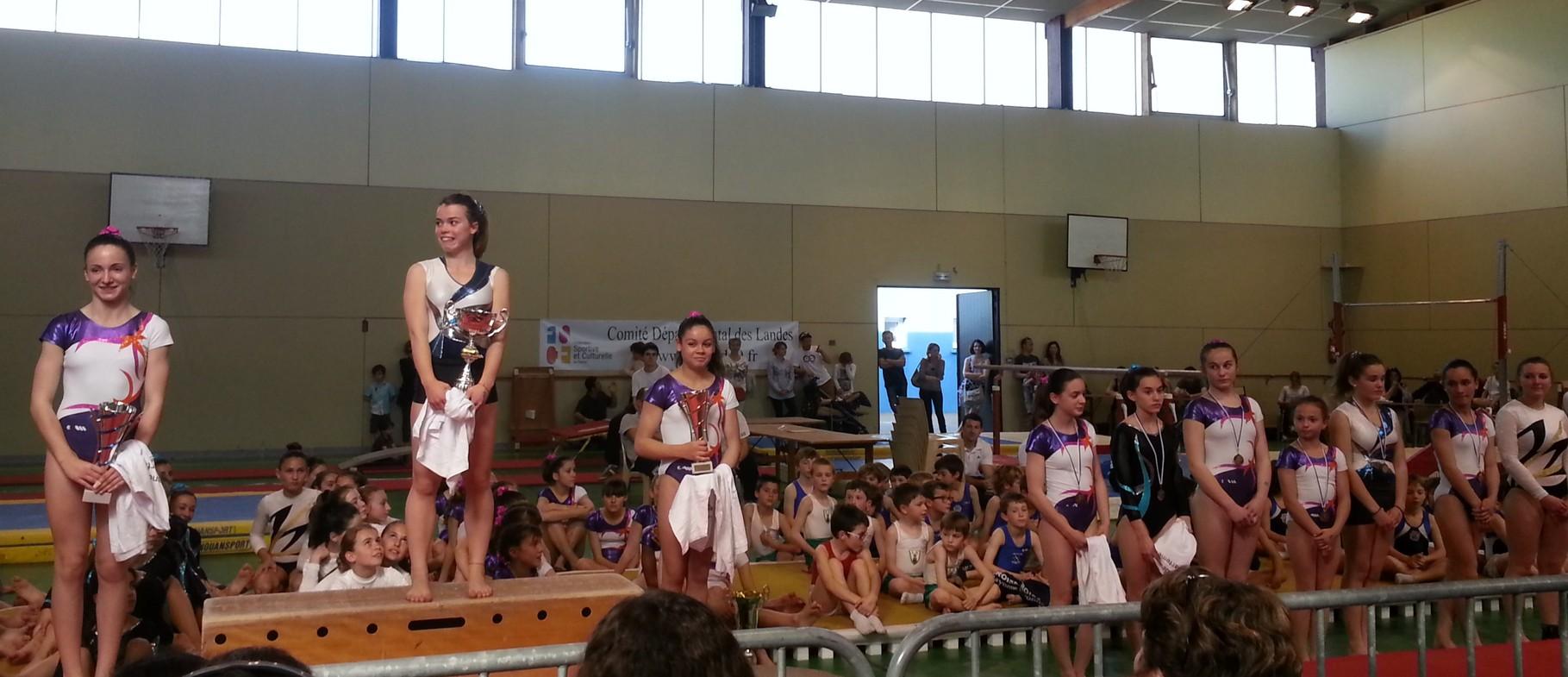 Podium Individuel Jeunesses: 1ère Lisa Maurin Jeanne d'Arc de Dax, 2ème Ophélie St Pé Violette Aturine, 2ème Laurie Gourgues Violette Aturine