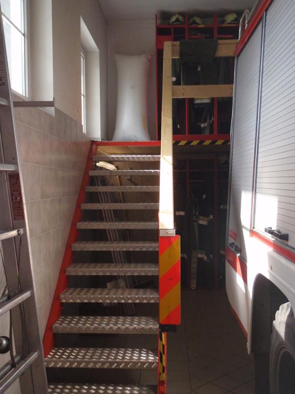 Aufgang zur 2. Etage in der Fahrzeughalle