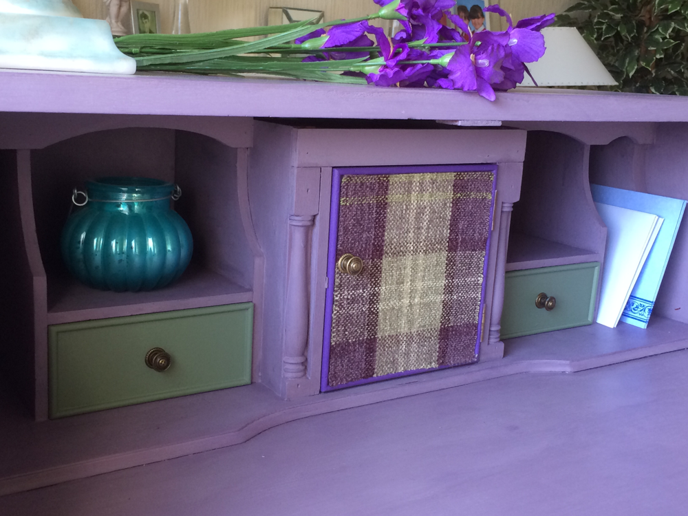 The small green drawers are lined with the Orkney Plaid fabric