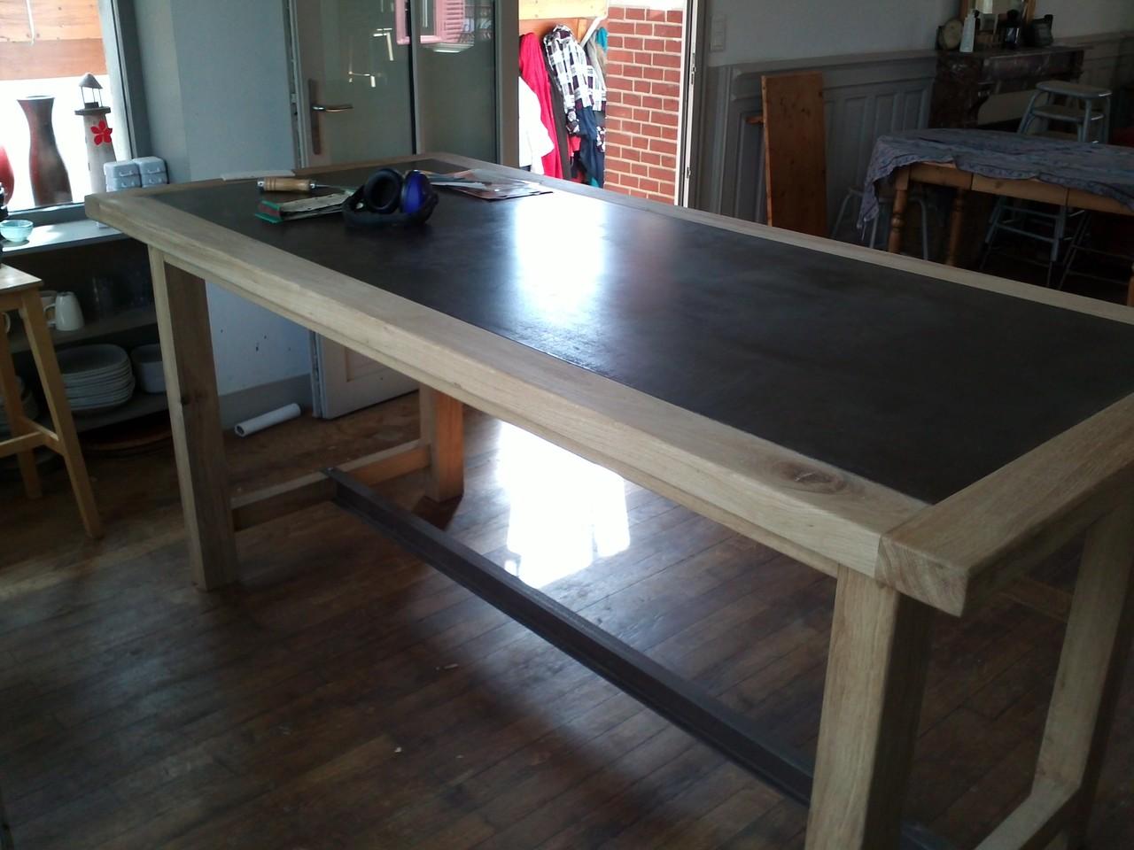 Réalisation d'une table à partir d'un marbre d'imprimerie