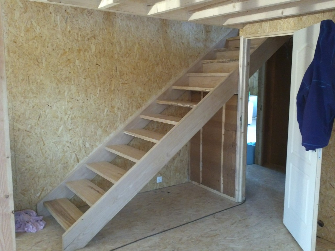 Réalisation d'un escalier droit en châtaigner