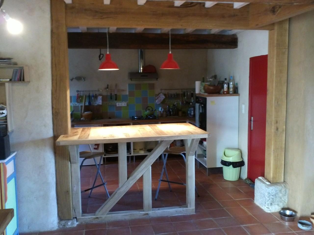 Réalisation d'un bar en chêne (colombage) et bois d'orme (plan de travail)